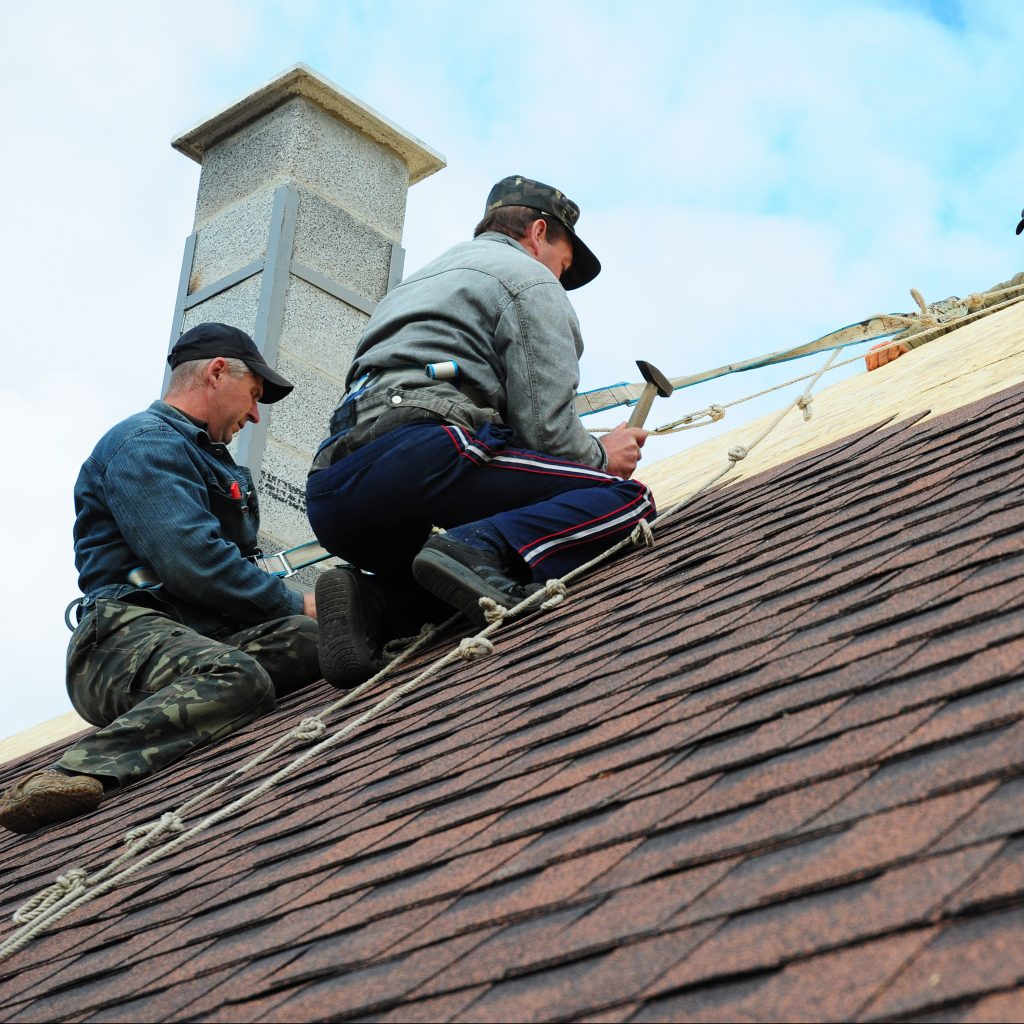 Every Roofer Who Works On A Residential Roof Should Have Proper Tools and Materials